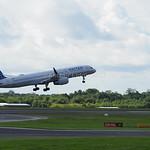 United Airlines Boeing 757-224 N19141 flight UA80 to New York (EWR) (3)