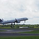 United Airlines Boeing 757-224 N19141 flight UA80 to New York (EWR) (2)